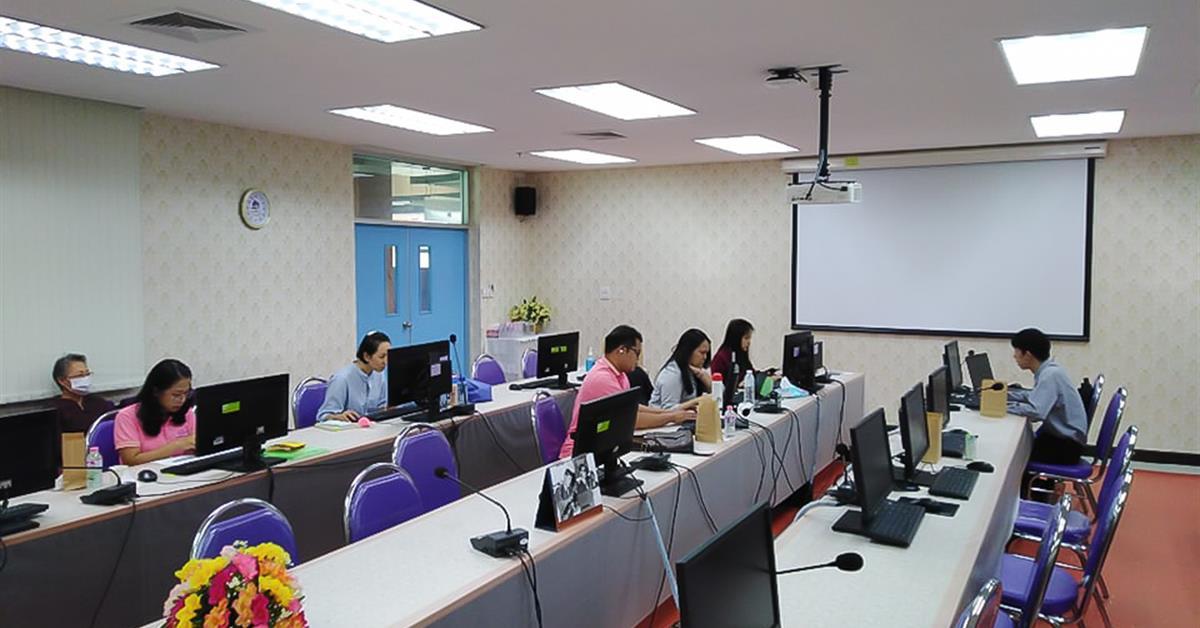 ศูนย์ภาษาคณะศิลปศาสตร์ มหาวิทยาลัยพะเยา  จัดสอบวัดความรู้ภาษาอังกฤษสำหรับนิสิตรหัส 63 ผ่านโปรแกรม DynEd