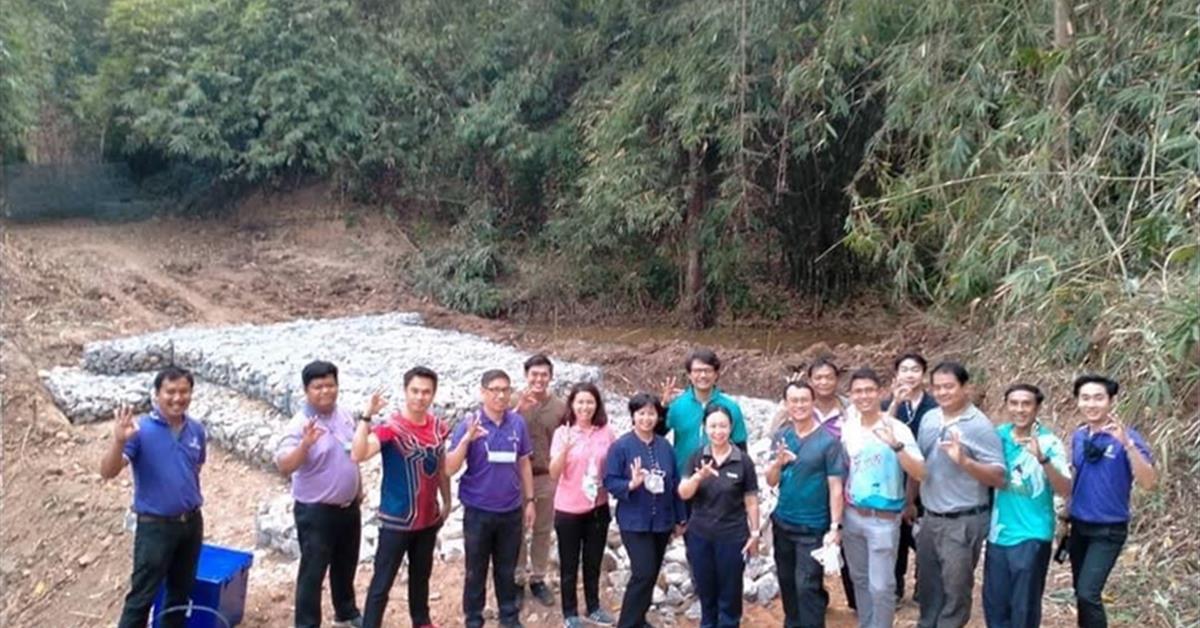 คณะสาธารณสุขศาสตร์ ร่วม สร้างฝายหินเรียงบริเวณลำห้วยในพื้นที่ป่าต้นน้ำอ่างเก็บน้ำแห่งที่ 2