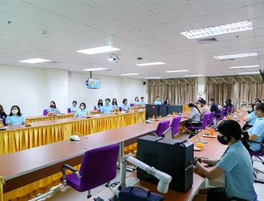 อธิการบดีมหาวิทยาลัยพะเยา ลงพื้นที่หารือมาตรการรองรับนิสิต ใช้บริการศูนย์บรรณสารและการเรียนรู้