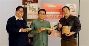 นักวิจัยคณะบริหารธุรกิจและนิเทศศาสตร์ มหาวิทยาลัยพะเยา จัดบูธ เยี่ยมชม ชิม Pla Som Phayao (Product Test)  ณ หน้าห้องประชุมชูชาติ กีฬาแปง ชั้น 2 อาคารสำนักงานอธิการบดี มหาวิทยาลัยพะเยา