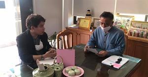 ตัวแทนศูนย์การเรียนรู้สื่อชุมชน มหาวิทยาลัยพะเยา เข้าพบนายเทศมนตรีตำบลแม่กา ณ เทศบาลตำบลแม่กา อำเภอเมือง จังหวัดพะเยา
