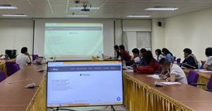 ศูนย์บรรณสารและการเรียนรู้ ให้บริการสอนการสืบค้นสารสนเทศออนไลน์และการใช้โปรแกรม Endnote