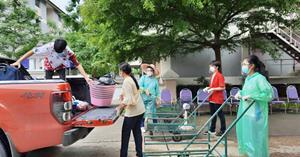 ฝ่ายกิจการนักเรียน โรงเรียนสาธิตฯ นำทีมจัดการและอำนวยความสะดวกนักเรียนเข้าหอพักกักตัว