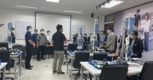 คณะ ICT ศึกษาดูงานด้านเทคโนโลยีหุ่นยนต์และระบบอัตโนมัติ มุ่งพัฒนากำลังคนให้สอดคล้องกับอุตสาหกรรมเป้าหมายของประเทศ