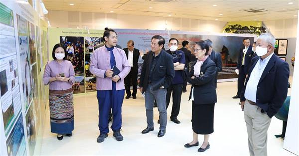 กรรมการสภามหาวิทยาลัยพะเยา เข้าเยี่ยมชม ศูนย์การเรียนรู้นกยูงไทย และร่วมประชุมสภามหาวิทยาลัยพะเยา ครั้งที่ 6/2563