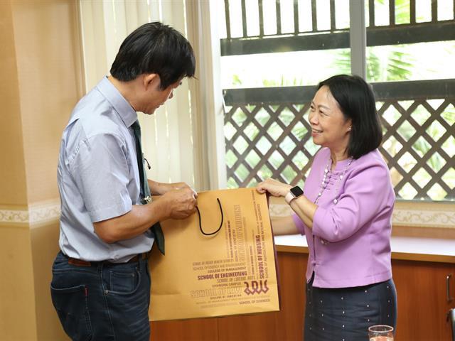 ม.พะเยา,หารือร่วมมือกับ,Graduate,Institute,of,Biomedical,Sciences,,Taiwan,ผลิตเนื้อโค