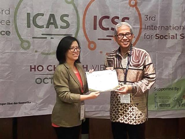 รองคณบดีฝ่ายวิจัย,คณะศิลปศาสตร์,เข้าร่วมการประชุมระดับนานาชาติ,,3rd,International,Conference,for,Social,Science,(3rd,ICSS),ณ,กรุงโฮจิมินห์ซิตี้,ประเทศเวียดนาม