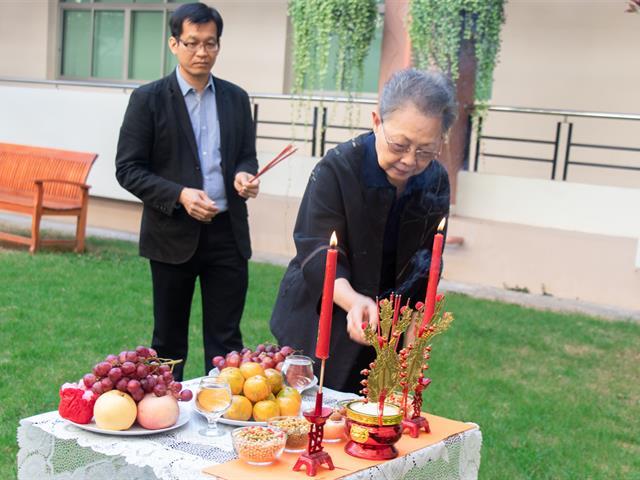 คณะศิลปศาสตร์จัดพิธีไหว้สิ่งศักดิ์สิทธิ์ เสริมความเป็นศิริมงคลเนื่องในโอกาศวันตรุษจีน 2563