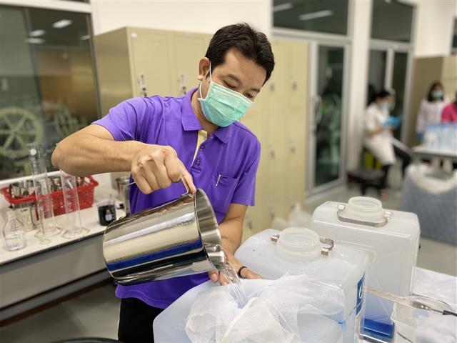แอลกอฮอล์สำหรับล้างมือ คณะเภสัชศาสตร์