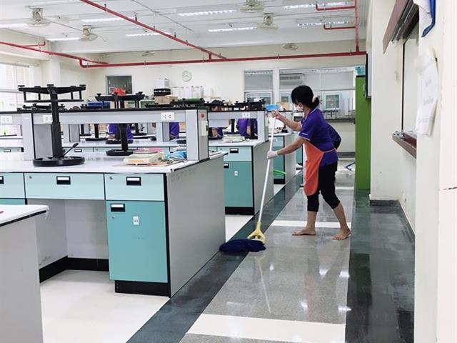 """ห้องปฏิบัติการคณะเภสัชศาสตร์ได้ทำการ  """"Big Cleaning Day"""""""