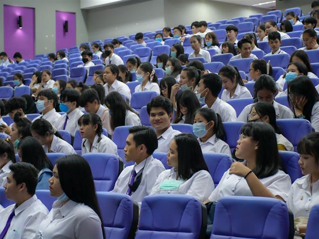 ประชุมชี้แจงแนวทางในการออกปฏิบัติการสอนในสถานศึกษาให้กับนิสิตชั้นปีที่ 1