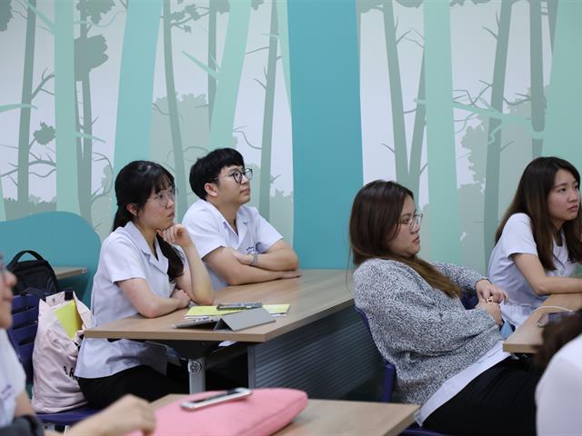 คณะทันตแพทยศาสตร์ มหาวิทยาลัยพะเยา เข้าประชาสัมพันธ์การรับสมัครทันตแพทย์ผู้ทำสัญญาชดใช้ทุน ประจำปีการศึกษา 2563 ณ สำนักวิชาทันตแพทยศาสตร์ มหาวิทยาลัยแม่ฟ้าหลวง