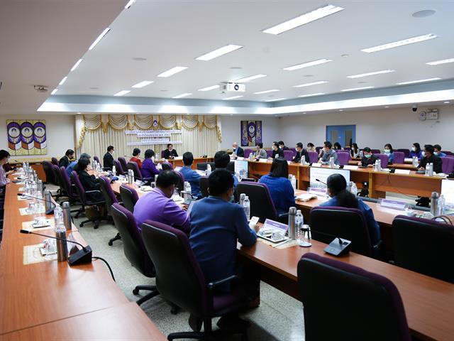 อธิการบดีมหาวิทยาลัยพะเยาเข้ารับประเมินผลการดำเนินงาน ประจำปีงบประมาณ พ.ศ. 2562