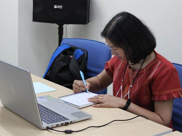 ฝึกอบรม การใช้โปรแกรมตรวจสอบการลอกเลียนวรรณกรรม (Turnitin)