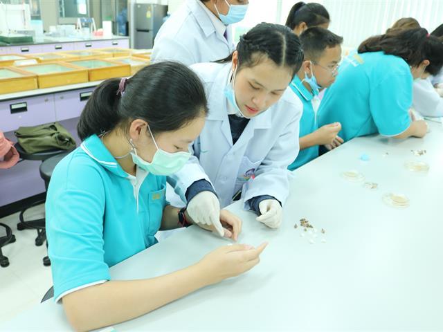 """คณะเกษตรศาสตร์ฯ ต้อนรับคณะนักเรียน ร.ร พะเยาพิทยาคม """"การจัดกิจกรรมเสริมสร้างและพัฒนาผู้ที่มีความสามารถพิเศษทางวิทยาศาสตร์"""""""