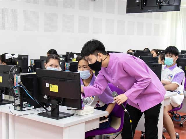 คณะศิลปศาสตร์ ให้การต้อนรับคณะครูและนักเรียน โรงเรียนจักรคำคณาทร จังหวัดลำพูน