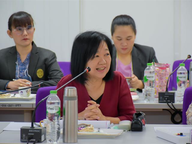 วิทยาลัยการศึกษา จัดประชุมวิพากษ์หลักสูตรควบปริญญาโท 2 ปริญญา