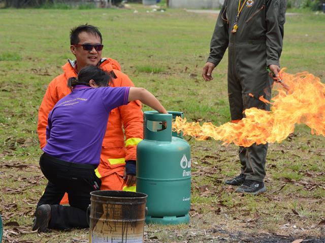 คณะพยาบาลศาสตร์จัดกิจกรรมฝึกซ้อมดับเพลิงและอพยพหนีไฟ ซึ่งเป็นกิจกรรมส่วนหนึ่งของโครงการส่งเสริมสำนักงานสีเขียว(Green  Office) ปี 2564 ในวันที่ 8-9 เมษายน 2564