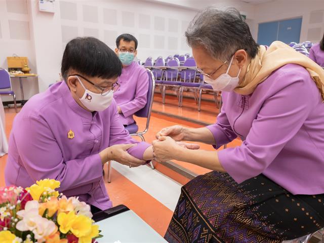 คณะศิลปศาสตร์ ดำจัดพิธีมุทิตาคารวะ แด่ รองศาสตราจารย์ ดร.เปรมวิทย์ วิวัฒนเศรษฐ์ ประธานหลักสูตรศิลปศาสตรมหาบัณฑิต สาขาวิชาภาษาไทย